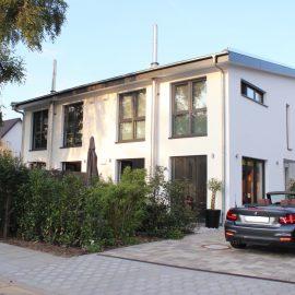 Neubau – von einem modernen Architekten-Doppelhaus in KfW 70 – Bauweise